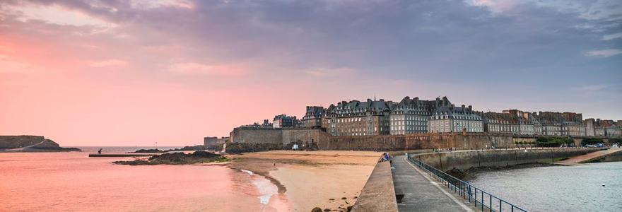 Vacances d'été à Saint-Malo